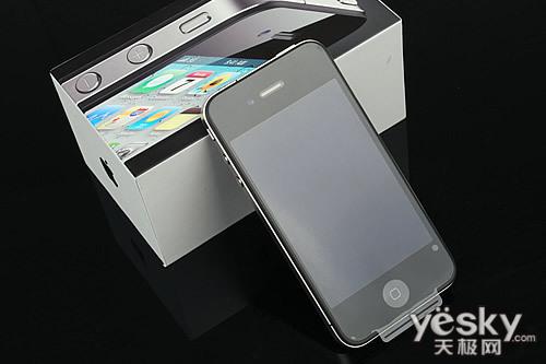 图为:苹果 iPhone 4 手机
